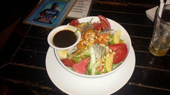 Joe's Cafe: Pan-Asian Salad schmeckt lecker ist reichlich