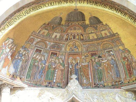 Esterno 3 foto di basilica di san marco venezia for Esterno basilica di san marco