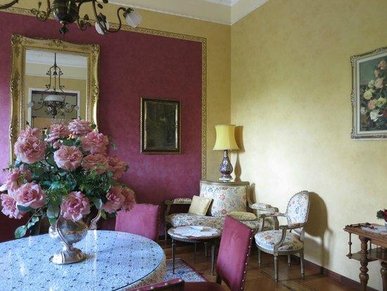Villa Elisa: Un salon