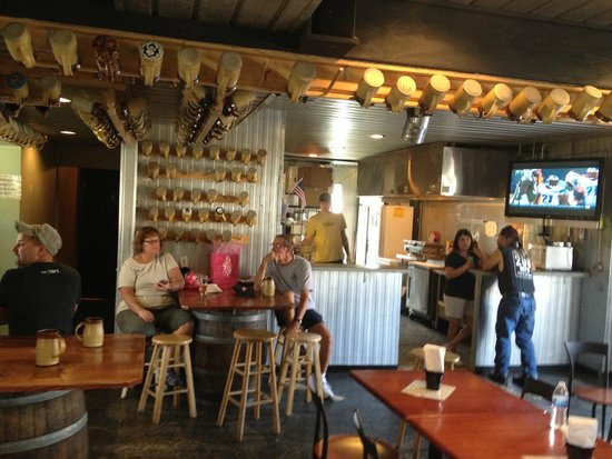 Paw Paw Brewing Company: Kitchen area