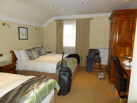 Larkinley Lodge: chambre