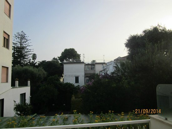 Hotel Caravel Sorrento: view from 1st floor balcony - looking left