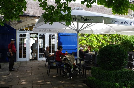 Cafe at the Palace: Seating in the Courtyard with nice atmosphere
