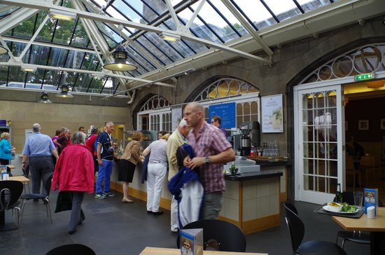 Cafe at the Palace: Busy at the Food Service Counter