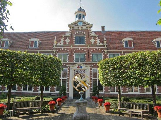 Musée Frans Hals : Frans Hals Museum central courtyard
