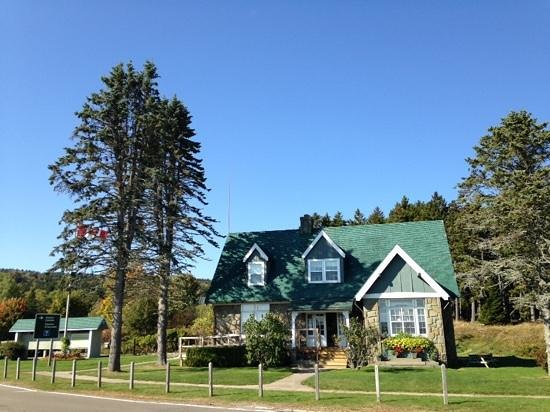 how to drive to fundy national park from moncton