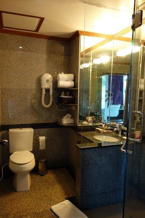 schones badezimmer, schönes badezimmer - picture of the l resort krabi, ao nang, Design ideen