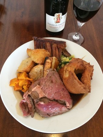 The Gladstone Arms: Rare Rib Eye of Beef roast dinner and a cheeky bottle of Chateauneuf-du-Pape. Sunday's don't get