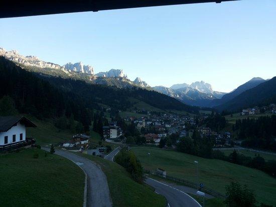 Hotel Latemar : Ecco il panorama dalla finestra della nostra camera!