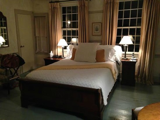 The Old Inn on the Green: Room in Thayer House