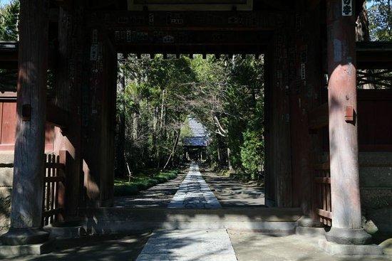 Jufukuji Temple: 雰囲気のある参道