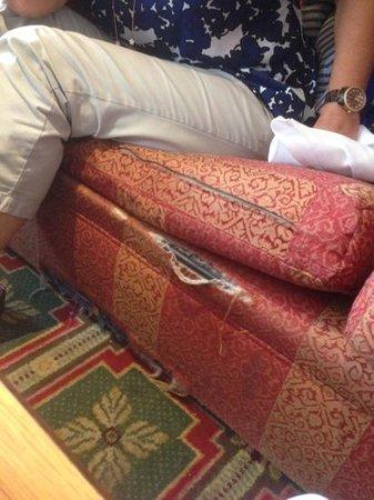 Sunderland Marriott Hotel: sofa for sale  ?