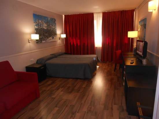 Hotel Exe Prisma : Habitación