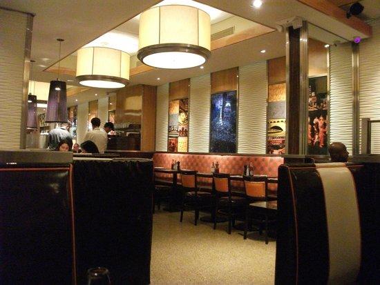Manhattan Diner: Interior Moderne