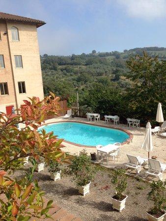 Easy Siena Hotel : Piscina