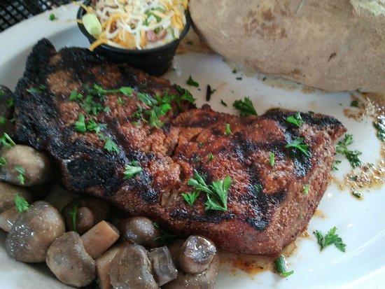 Winchester Steakhouse: Rumpsteak - auf den Punkt gebraten