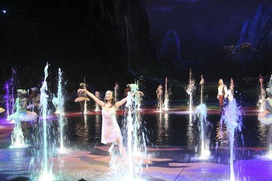 Macau, China: Main Ballerina