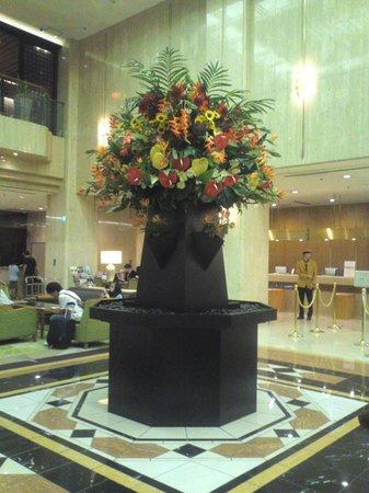 Hotel Metropolitan Tokyo Ikebukuro: 季節感のある豪華なお花