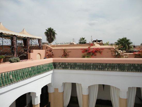 Toit terrasse ombragé pour les zones où l\'on mange... - Picture of ...