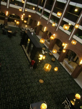 Sheraton Philadelphia Society Hill Hotel: La hall dall'alto