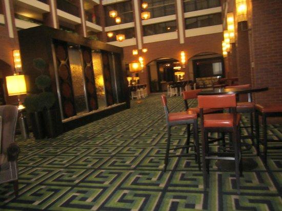 Sheraton Philadelphia Society Hill Hotel: Una parte della hall