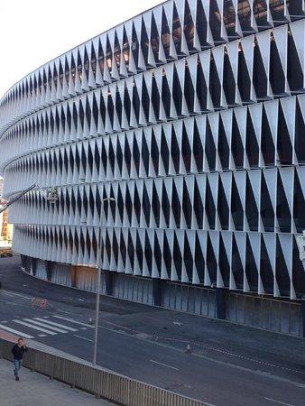 NH Bilbao Zubialde : La catedral