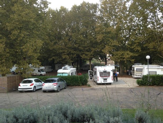 Great stay review of camping la pelouse bergerac for Pelouse