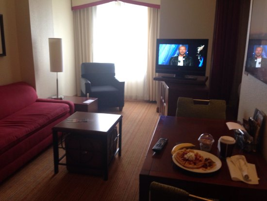 Residence Inn National Harbor Washington, DC Area : Dining and living area with my complimentary breakfast on the table.
