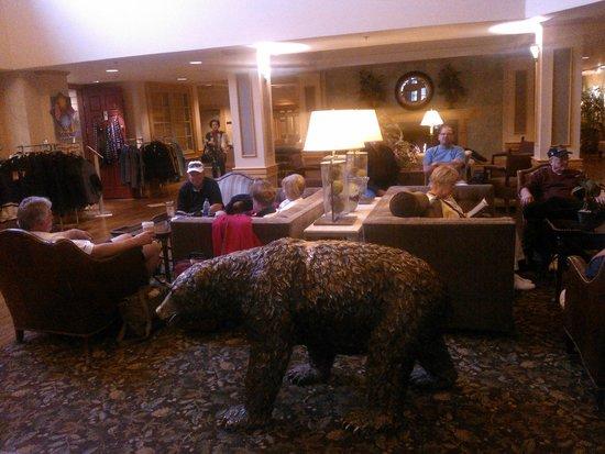 Fairbanks Princess Riverside Lodge : Lobby of hotel
