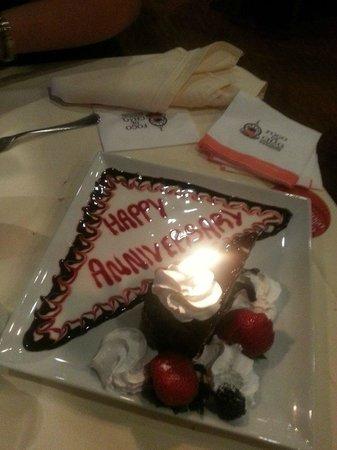 Fogo de Chao Brazilian Steakhouse : Lovely Anniversary cake