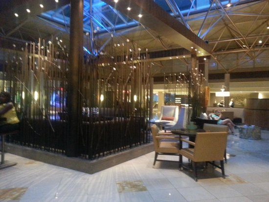 Renaissance Washington, DC Downtown Hotel: Center of lobby