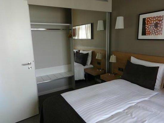 Adina Apartment Hotel Hamburg Michel: Schlafzimmer 1