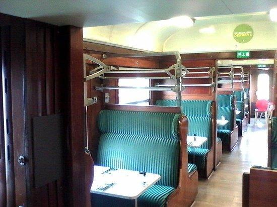 la salle de restaurant photo de crocodile h nin beaumont tripadvisor. Black Bedroom Furniture Sets. Home Design Ideas