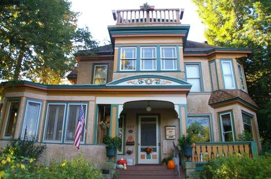Viroqua Heritage Inn: Eckhard-Dyson House