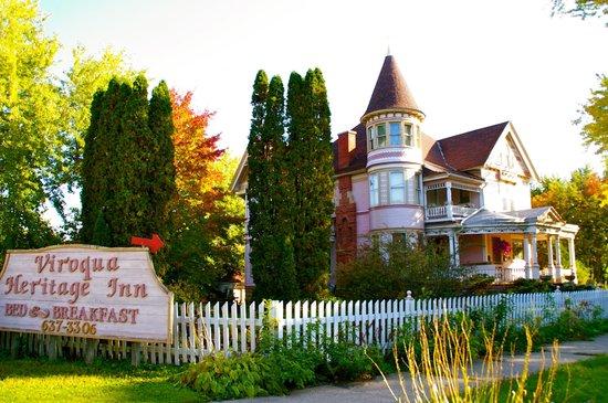 Viroqua Heritage Inn: House across the street.