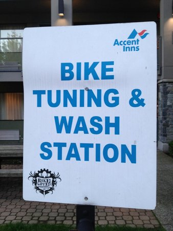 Accent Inn Burnaby : Bike tuning and wash station