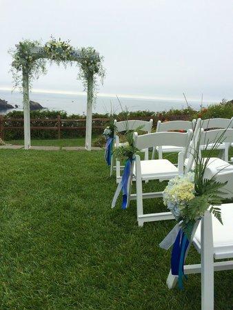Albion River Inn: Wedding setup