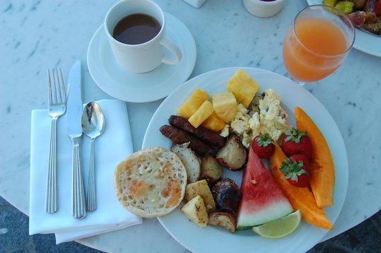 Hawaii Calls Restaurant & Lounge: my breakfast buffet plate
