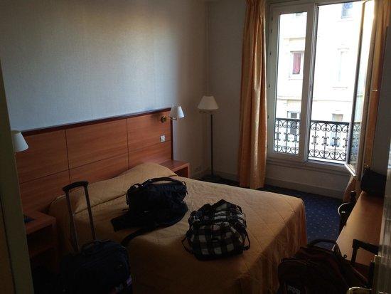 Hôtel Coypel : Double room on 3rd floor