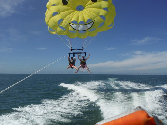 Fly-N-High Waverunners and Parasail : Woo hoo!