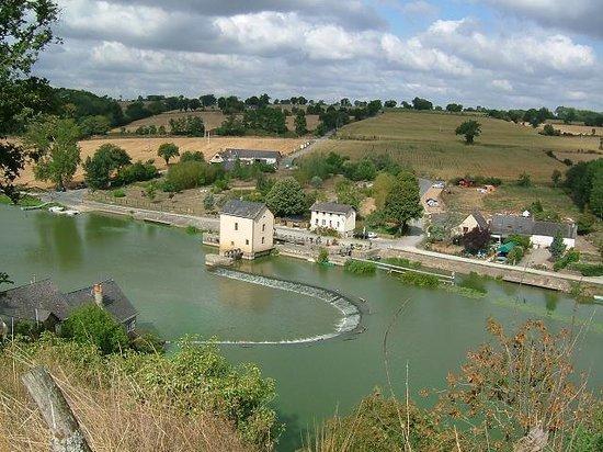 Le Moulin De Neuville: Vue aérienne du site