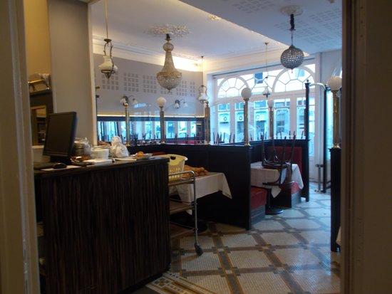 Hotel du Centre : restaurant early morning