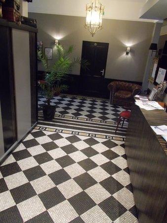 Hotel du Centre : reception area