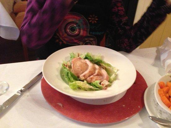 Rozzers Restaurant: Chicken Caesar Salad
