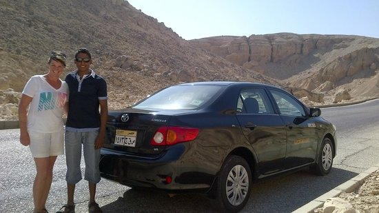 Luxor Taxi -  Day Tours : Approaching the Valley of the Kings