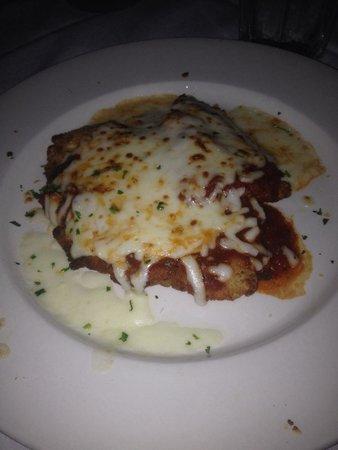 Vincent's Italian Cuisine: Chicken Parmigiana