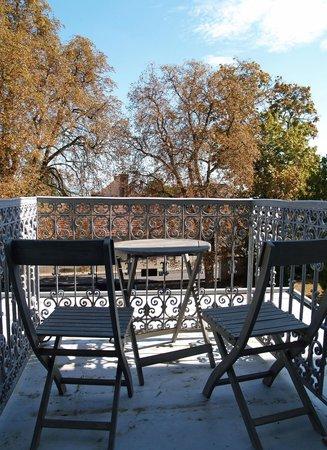 Hôtel Restaurant Les Avisés : Skol - balcony
