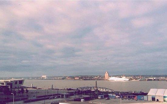 Crowne Plaza  Liverpool City Centre: 4th floor room view! Amazing!