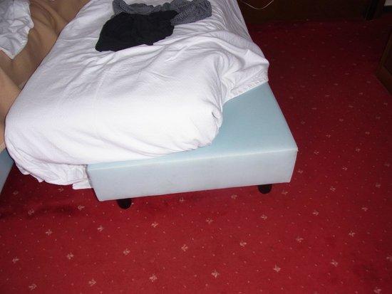 Hotel Milan Speranza Au Lac: The rock hard bed