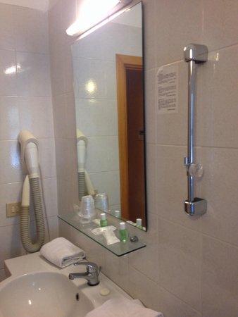 Villa Esperia: Ecco il porta diffusore della doccia ...